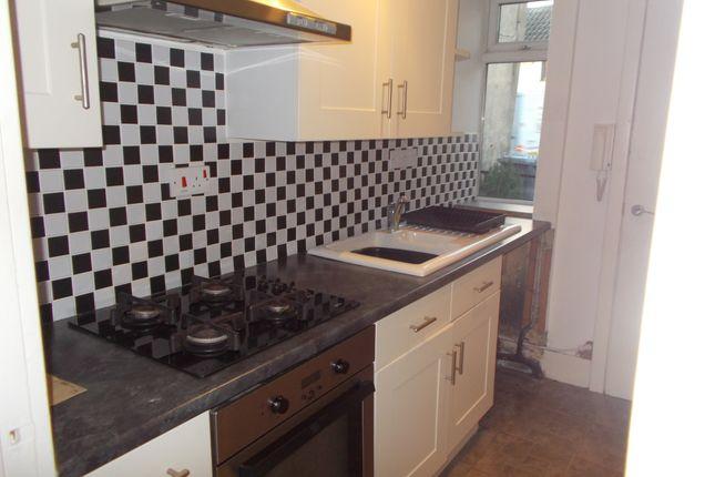 Thumbnail Flat to rent in Portland Street, Newark, Notts
