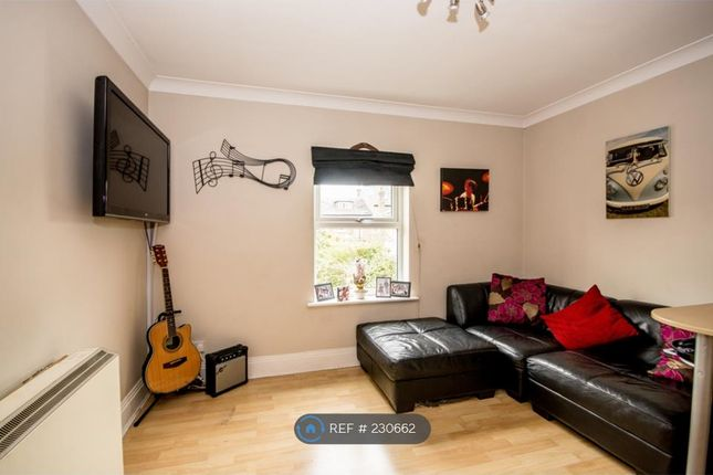 Thumbnail Flat to rent in Heworth Place, York