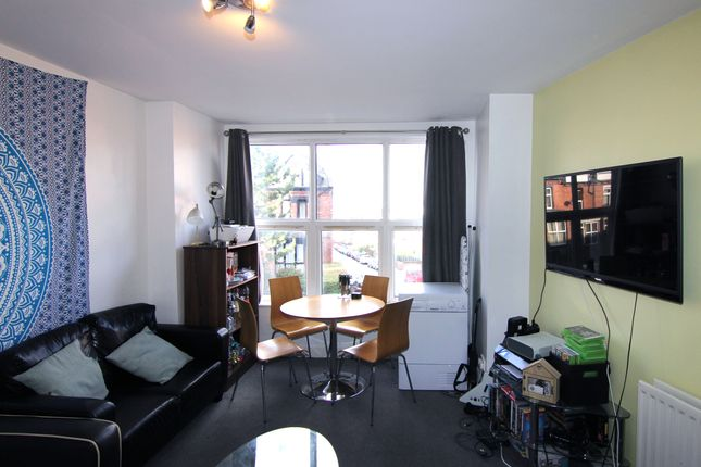 Thumbnail Flat to rent in Flat 3, 32 Brudenell Avenue, Hyde Park