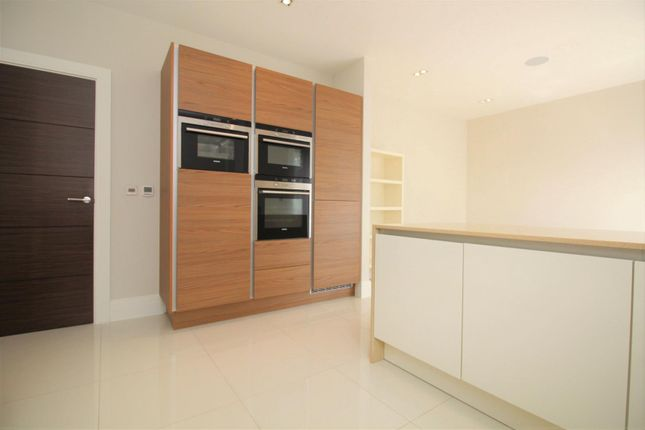 Thumbnail Property to rent in Clarence Park Crescent, Stanmore
