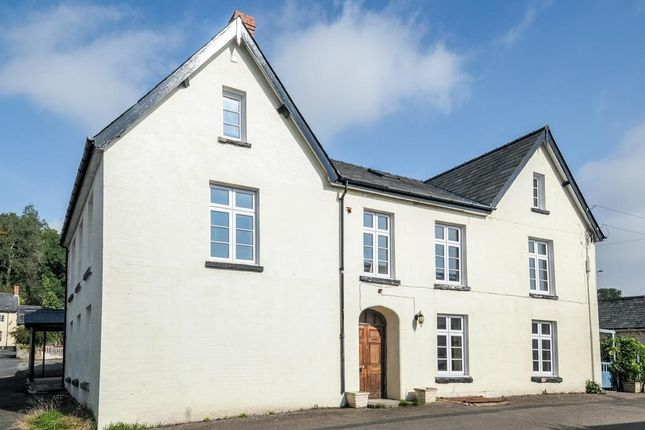 Thumbnail Flat for sale in New Radnor, Powys