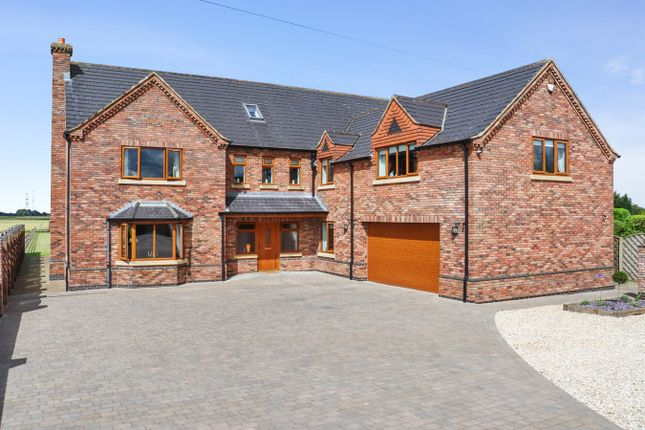 Thumbnail Detached house for sale in Trentside, Derrythorpe, Isle Of Axholme