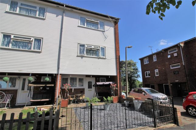 4 bed town house for sale in Winters Way, Waltham Abbey