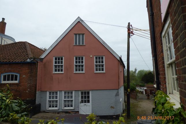 Thumbnail Cottage to rent in The Score, Northgate, Beccles
