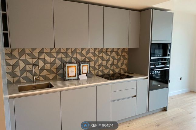 1 bed flat to rent in Golden Lane, London EC1Y