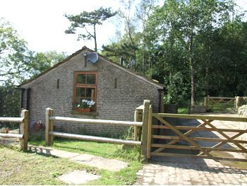 Thumbnail Cottage to rent in Cesterbridge, Rainow, Macclesfield, Cheshire