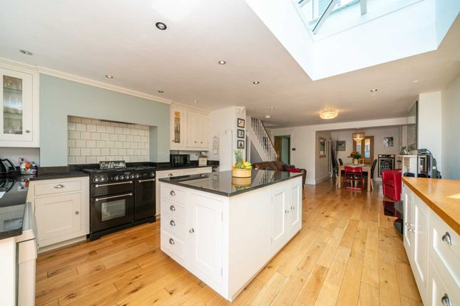 Thumbnail Detached house for sale in Horsecroft Road, Boxmoor