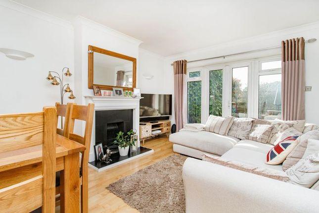 Thumbnail Flat for sale in Kings Head Hill, London