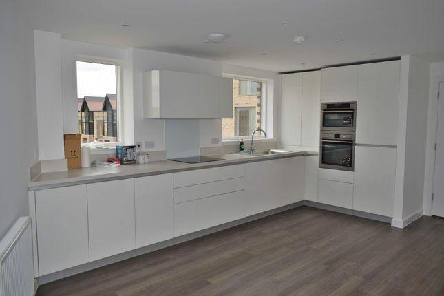 Thumbnail Flat to rent in Hobson Road, Trumpington, Cambridge