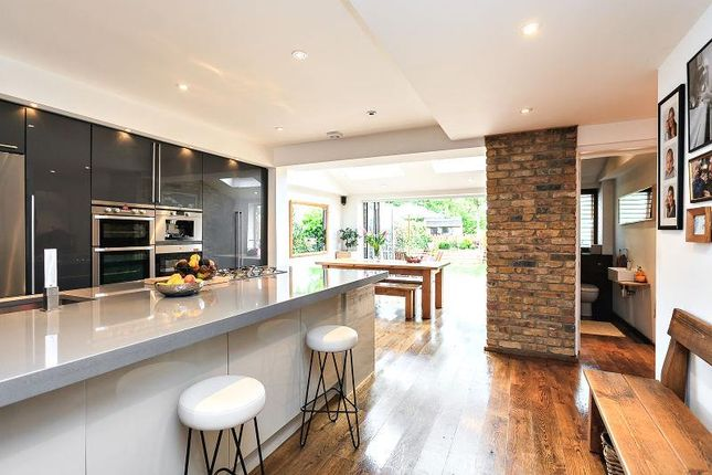 Thumbnail Property for sale in Berrylands, Raynes Park