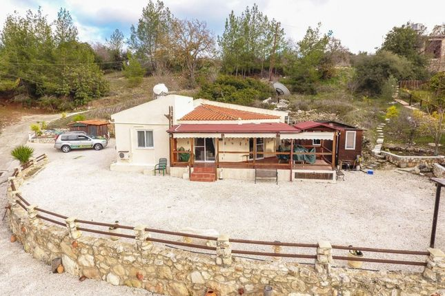 Thumbnail Bungalow for sale in Lysos, Polis, Cyprus