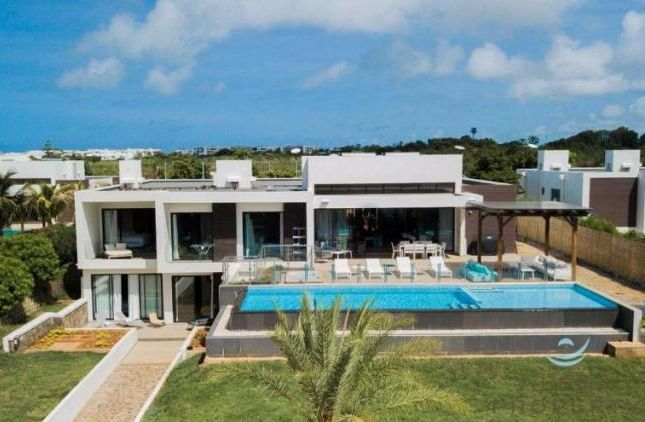 Thumbnail Property for sale in 5 Bedroom House, Roches Noires, Riviere Du Rempart District, Mauritius