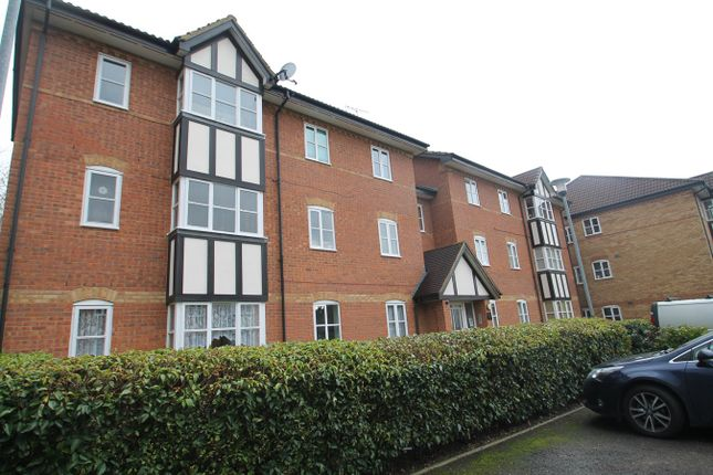 2 bed flat for sale in Artesian Grove, Barnet