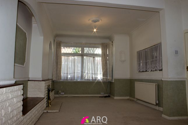Thumbnail Terraced house for sale in Pulleyns Avenue, East Ham