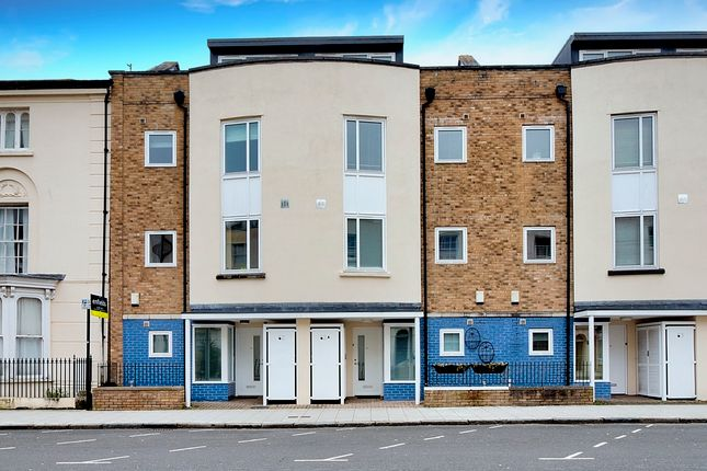 Thumbnail Terraced house for sale in Oxford Mews, Latimer Street, Southampton