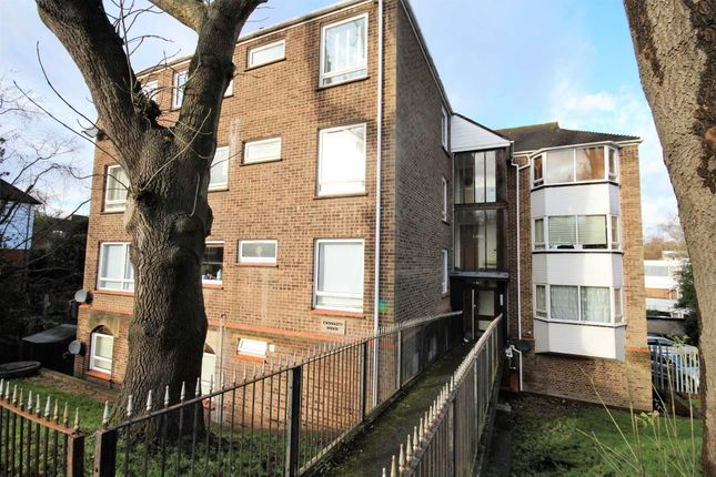 Thumbnail Flat for sale in Mount Crescent, Warley, Brentwood