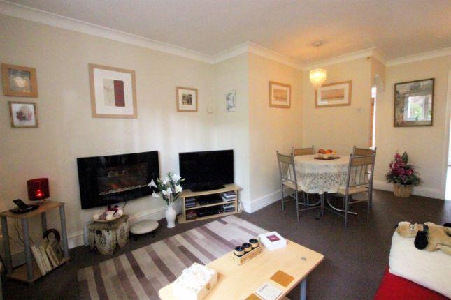 Lounge of Quaker Lane, Darlington DL1