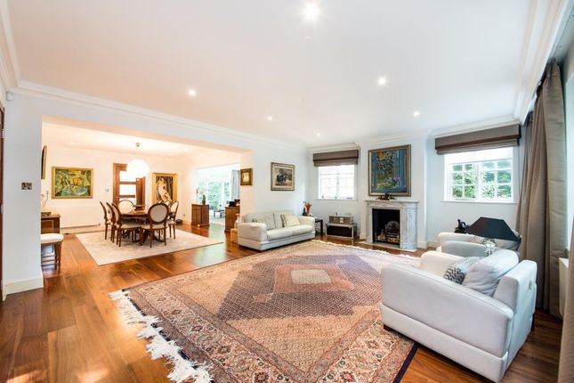 Thumbnail Property to rent in White Lodge Close, London
