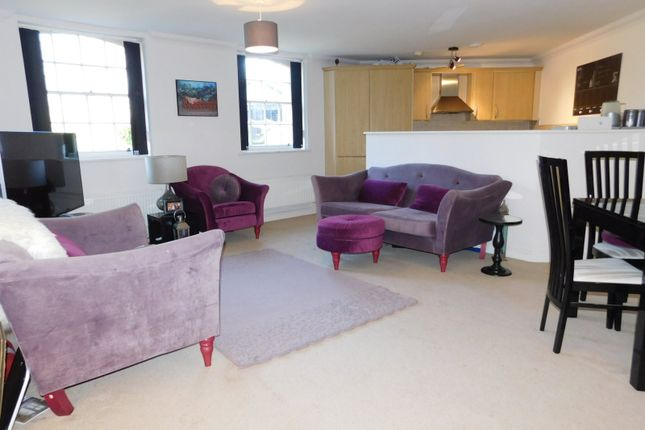 Thumbnail Flat to rent in Pryor Wing, Fairfield Hall, Kingsley Avenue, Stotfold, Herts