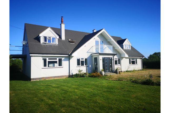 Thumbnail Farmhouse to rent in Shuckburgh Road, Napton
