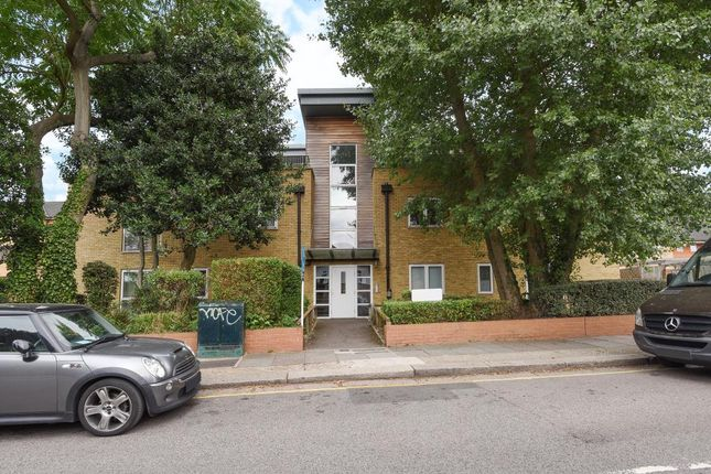Thumbnail Flat for sale in Montclair Court, Holden Road, Woodside Park