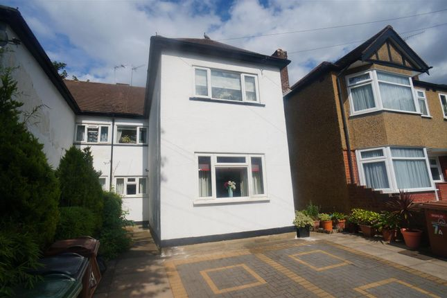 Thumbnail Maisonette for sale in Queens Grove Road, London