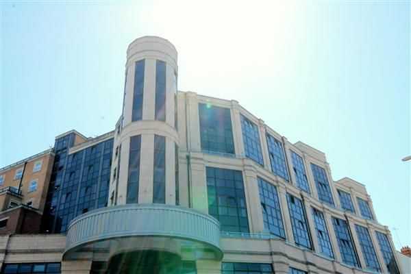 Thumbnail Flat to rent in Commercial Road, Westbourne, Bournemouth