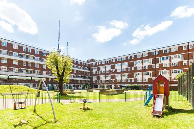 Thumbnail Maisonette for sale in Fellows Court, Weymouth Terrace, London