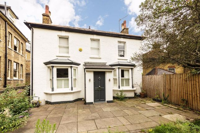 Detached house to rent in Mattock Lane, London