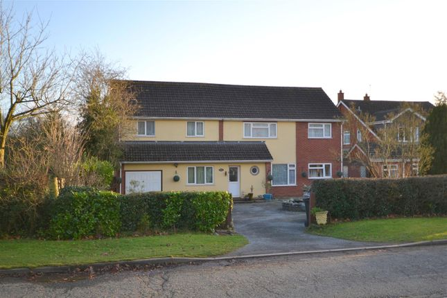 Thumbnail Detached house for sale in Bosbury Road, Cradley, Malvern