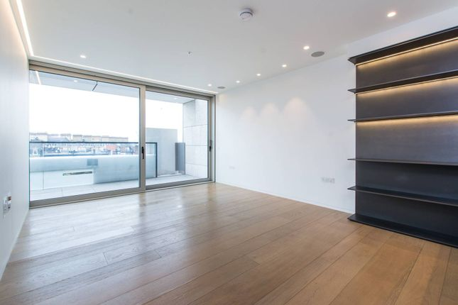 Thumbnail Flat for sale in Buckingham Palace Road, Victoria