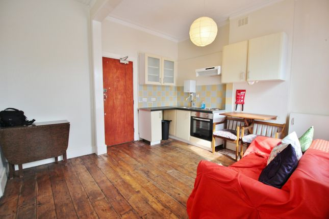 Thumbnail Flat to rent in Fordwych Road, London