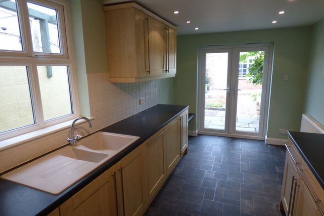 Thumbnail Terraced house to rent in Ferndale Road, Swindon