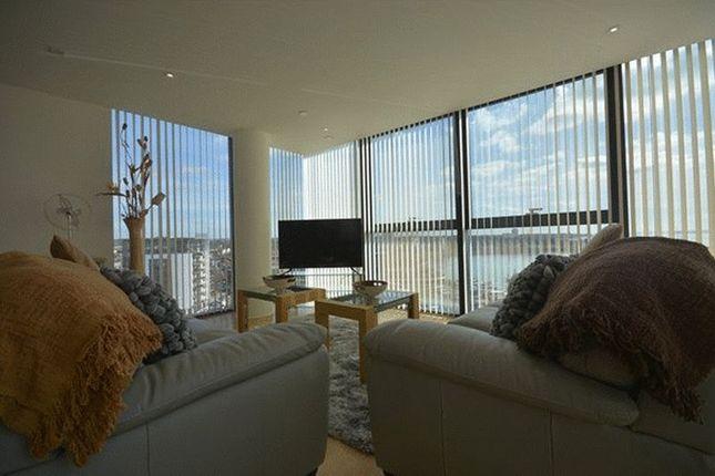 Thumbnail Flat to rent in Sub Penthouse, Ocean Way, Ocean Village, Southampton