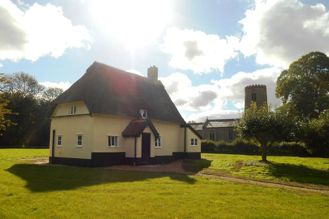 Thumbnail Cottage to rent in Morningthorpe, Norwich
