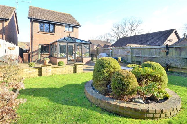 3 bed detached house for sale in Horley, Surrey