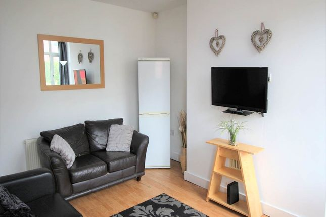 Thumbnail Shared accommodation to rent in Woodside Avenue, Burley, Leeds