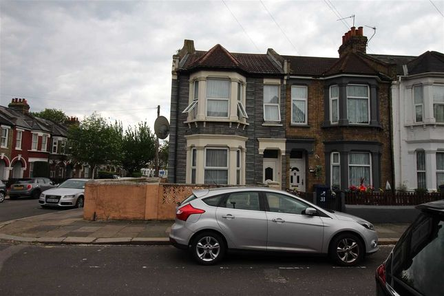 Thumbnail Room to rent in Petersfield Road, Acton, London