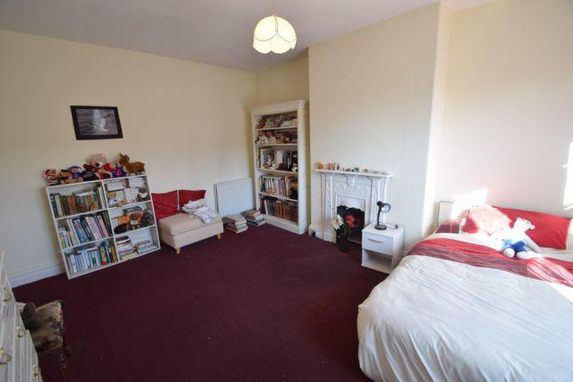 Bedroom 3 of Sherwood Grove, Saltaire, Bradford, West Yorkshire BD18
