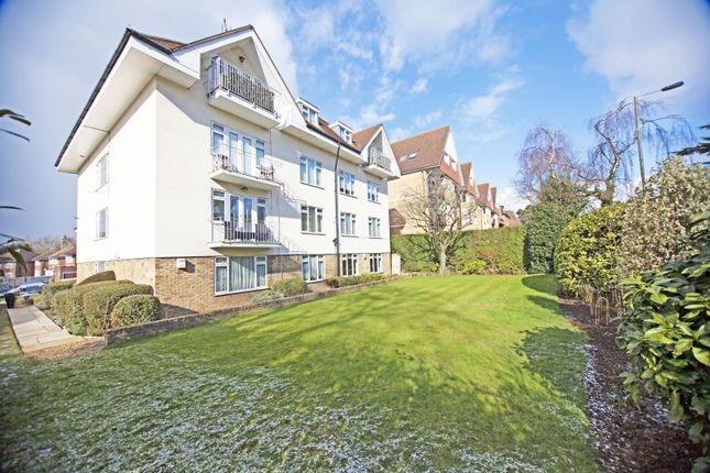 Flat for sale in The Hollies, Hendon Lane, Finchley