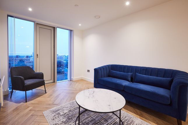 2 bed flat to rent in Silvercroft Street, Manchester M15