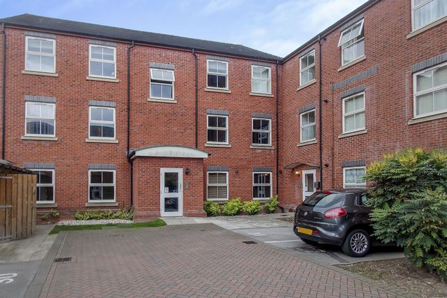 Flat for sale in Oxford Street, Long Eaton, Nottingham