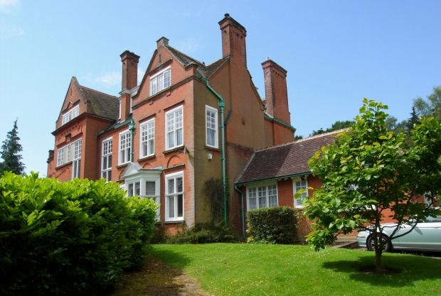 Thumbnail Detached house for sale in Solefields Road, Sevenoaks