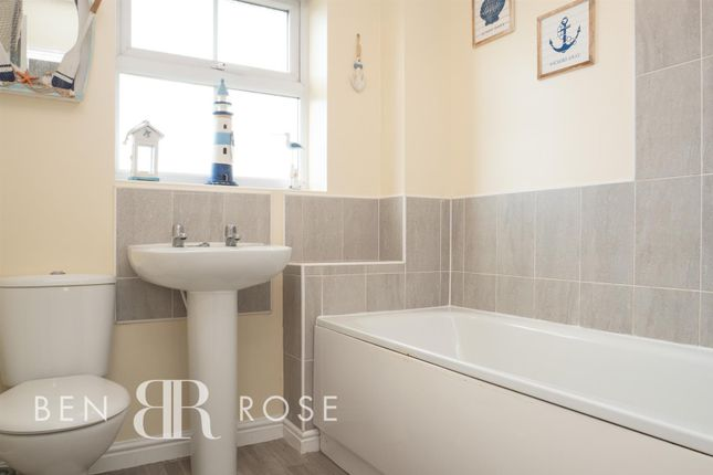 Family Bathroom of Parish Gardens, Leyland PR25