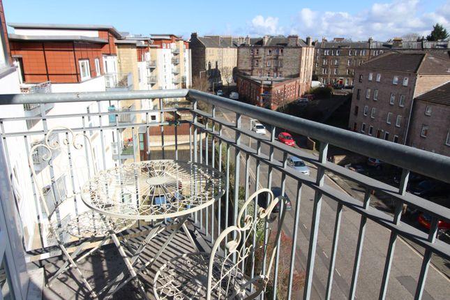 Balcony of 37 Brunswick Road, Edinburgh EH7