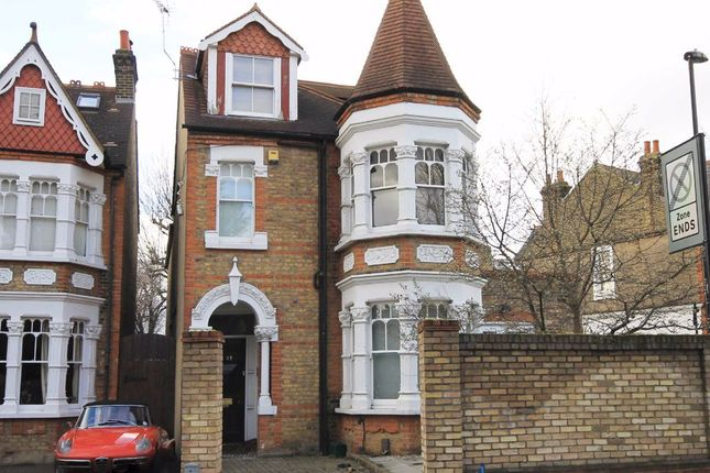 Thumbnail Flat to rent in Drayton Green, London