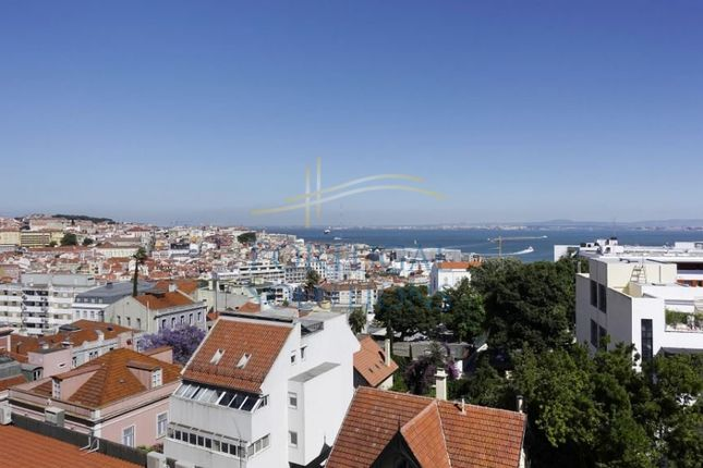 Thumbnail Apartment for sale in Rua Miguel Lupi, Lisboa, 1200-602, Pt