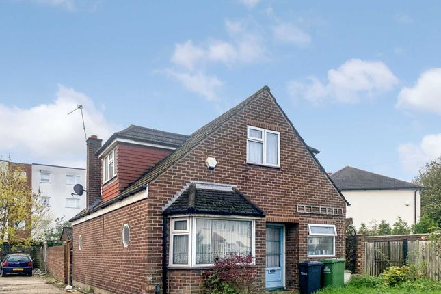Thumbnail Bungalow for sale in Lodge Crescent, Waltham Cross