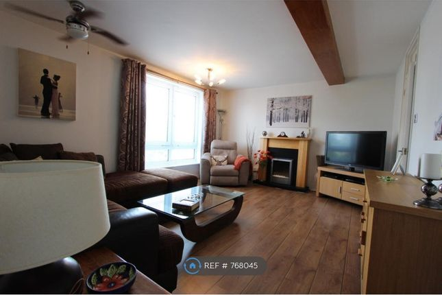 3 bed maisonette to rent in Melville Court, Chatham ME4