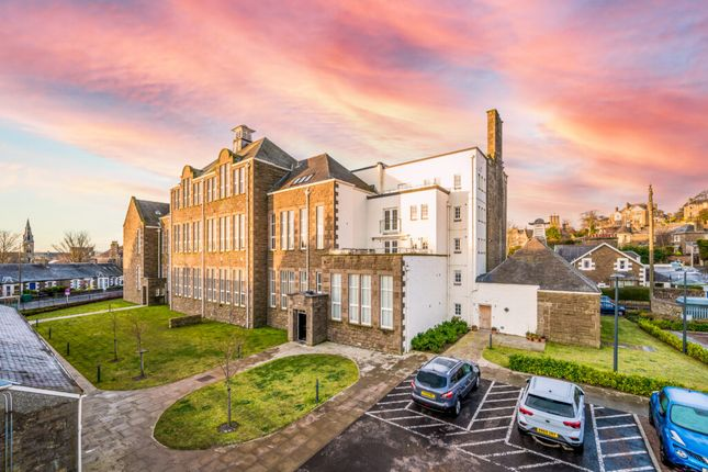 Thumbnail Flat for sale in Whinny Brae, Broughty Ferry, Dundee